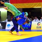 Halbfinale beim Bundesliga-Finale der Männer in Hamburg: Dominic Ressel vom Hamburger Judo-Team (Blau) besiegt Martin Matjass (SU Witten Annen).