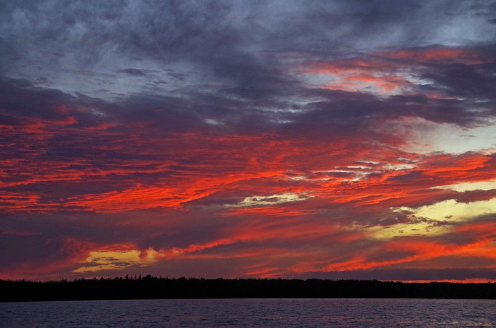 Obwohl der der Acadia National Park im US-Bundesstaat an der Ostküste liegt, lassen sich auch hier wunderbare Sonnenuntergänge bewundern.
