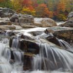 Die Wasserfälle und Stromschnellen in der Rocky Gorge sind einer der Höhepunkte am Kancamagus Highway in den White Mountains.