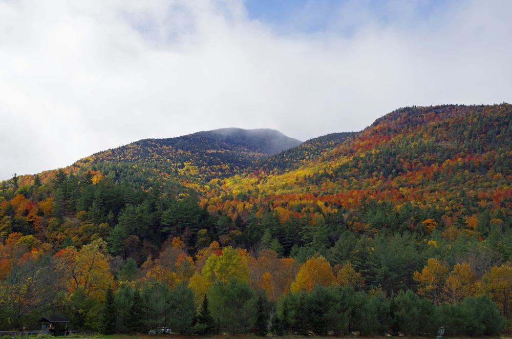 Farbenrausch in den Adirondacks. Landschaft in der Nähe von Keene.