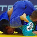 Kampf im Rahmen der Judo-Bundesliga zwischen dem Hamburger Judo-Team (l.) und Bottrop.
