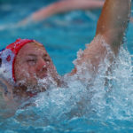 Wasserball: Ein Spieler vom SV Poseidon jubelt nach einem Treffer.