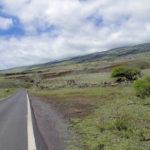 Der einsame Piilani Highway auf Maui, Hawaii.