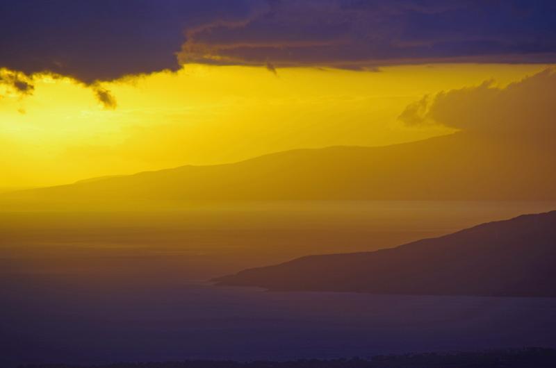 Sonnenuntergang auf Maui, Hawaii.