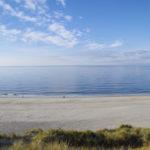 Blick vom Roten Kliff auf Sylt auf den Strand und die Nordsee.