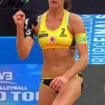 Im Tennisstadion am Hamburger Rothenbaum finden die Beachvolleyball FIVB World Tour Finals 2017 statt. Olympiasiegerin und Weltmeisterin Kira Walkenhorst ballt die Faus nach einem Punktgewinn im Finale.