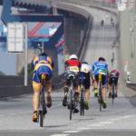 Die Radstrecke bei der Ironman-Premiere in Hamburg führte auch über die Köhlbrandbrücke im Hafen.