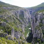 Der Grand Canyon du Verdon (Verdonschlucht) in der Provence zählt zu den tiefsten Schluchten in Europa. Von der Route des Crêtes bieten sich beeindruckende Aussichten.