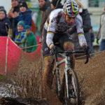 UCI-World-Cup-Rennen in Zeven 2017. Nach ausgiebigen Regenfällen in den Tagen zuvor war der Rundkurs an vielen Stellen tief und schlammig. Es siegte Weltmeister Wout van Aert aus Belgien.