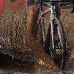 UCI-World-Cup-Rennen in Zeven 2017. Nach ausgiebigen Regenfällen in den Tagen zuvor war der Rundkurs an vielen Stellen tief und schlammig.